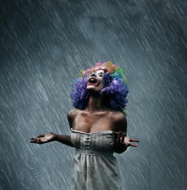 chuva com palhaça