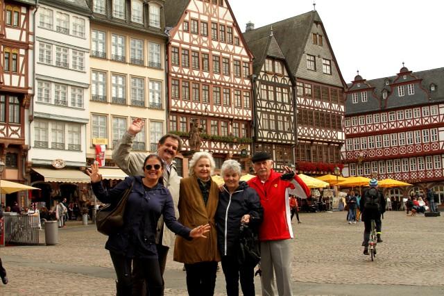 No centro antigo de Frankfurt, com os amigos Ivone e Marino.